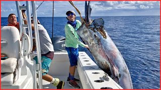 Amazing GIANT BLUEFIN TUNA Fishing Skill - Catching Strongest Tuna Fish on The Sea